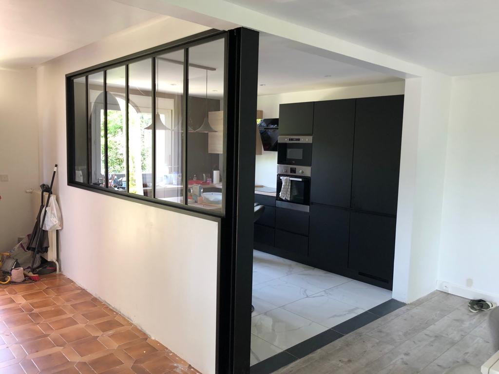 photo d'une verrière intérieure pour cuisine